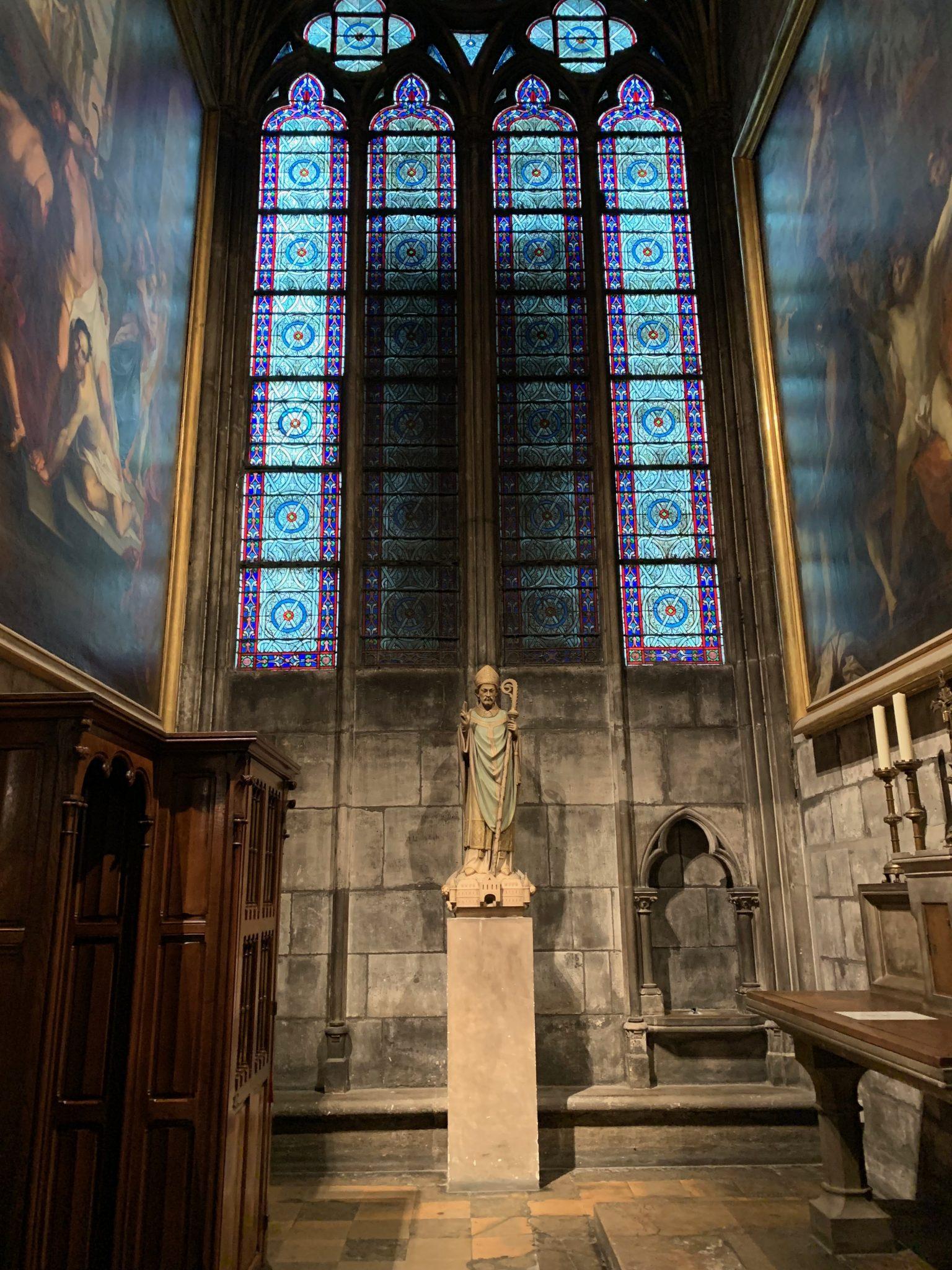 Notre-Dame alcove