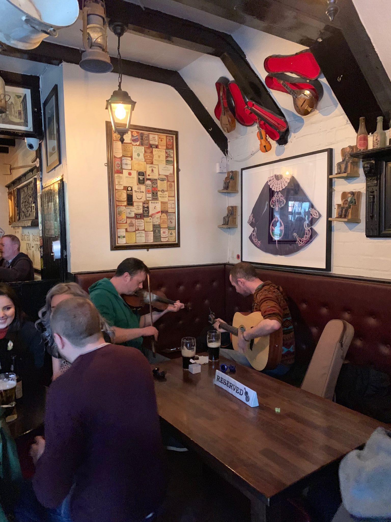 Kelly's Cellars pubs Dublin Belfast