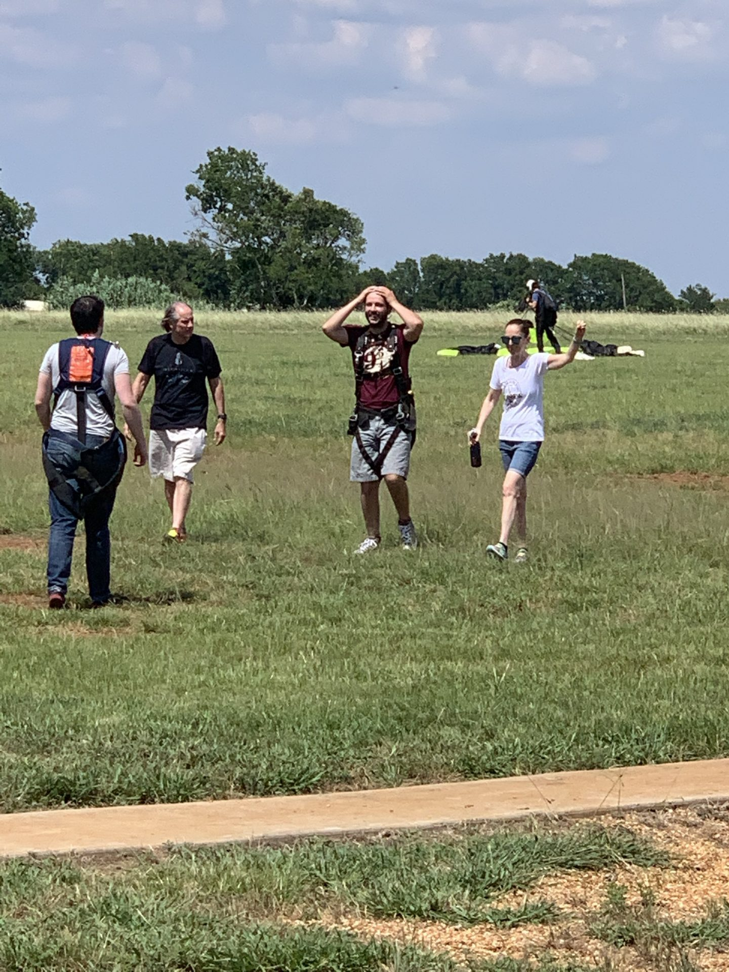 Four veterans after Texas Skydiving